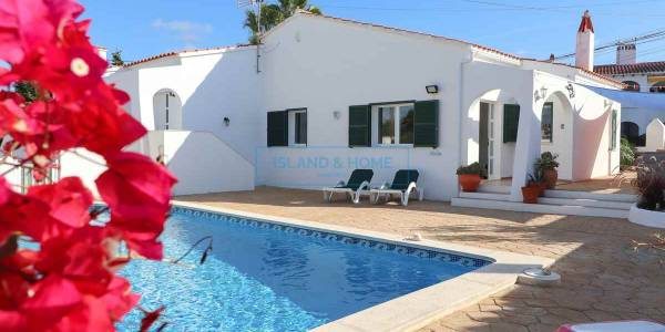 Semi-detached villa for sale in Calan Porter, Menorca