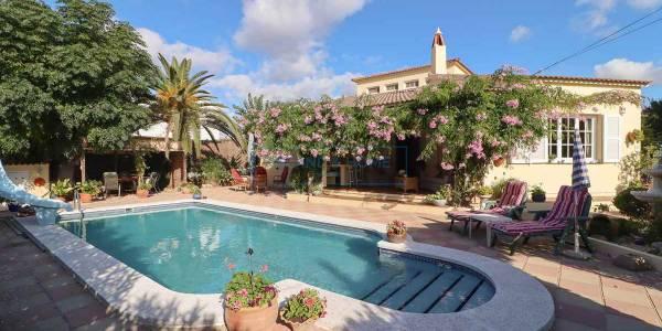 Villa for sale in Calas Cove, Menorca